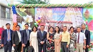 Informer les Vietnamiens d'Ukraine des politiques extérieures du pays