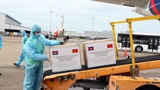 COVID-19: réception de cadeaux offerts par le Cambodge à Ho Chi Minh-Ville