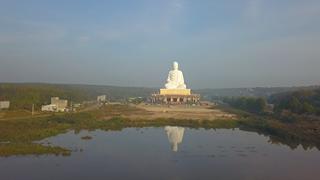 La plus haute statue de Bouddha d'Asie du Sud-Est inaugurée à Binh Phuoc