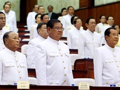 Cambodge : le roi nomme 101 personnes aux postes de conseiller et assistant personnels du PM