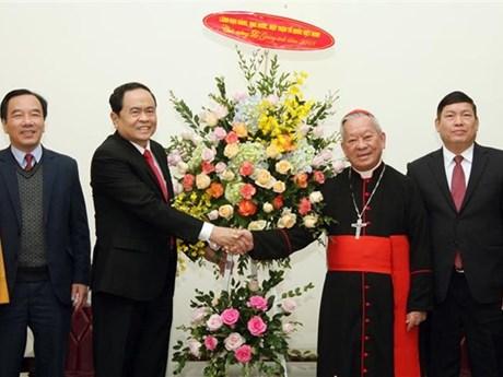 Le chef du FPV rend visite à des dignitaires religieux à l'occasion de Noël