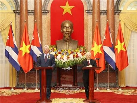 Le président du Conseil d'État de Cuba termine sa visite d'amitié officielle au Vietnam