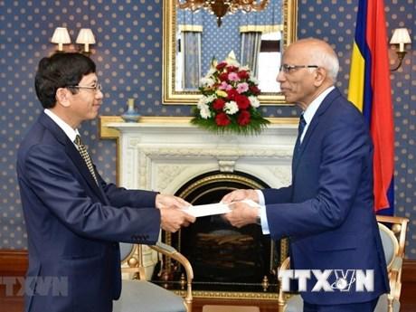 Le Vietnam et la République de Maurice intensifient leur coopération multiforme
