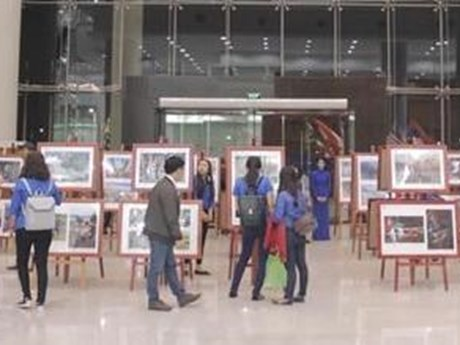 Exposition sur la communauté de l'ASEAN à Binh Duong