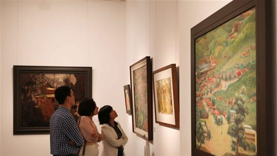 Ouverture de l'exposition «Le printemps éternel» à Hanoi