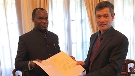 Un Ougandais nommé consul d'honneur du Vietnam