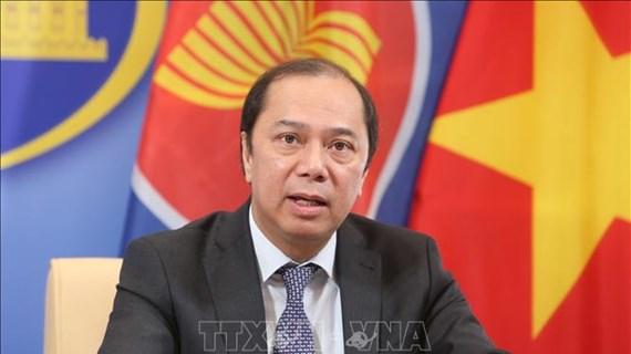 Le Vietnam participe à une réunion virtuelle des hauts officiels de l'ASEAN