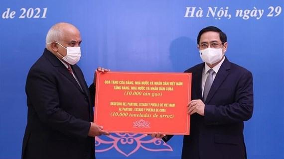 Le Premier ministre Pham Minh Chinh reçoit l'ambassadeur de Cuba