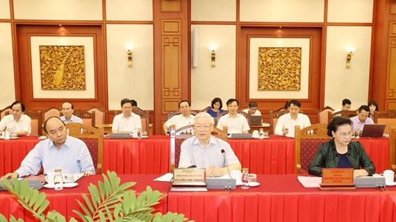 Le Bureau Politique travaille avec la Permanence du Comité du Parti de Hanoï