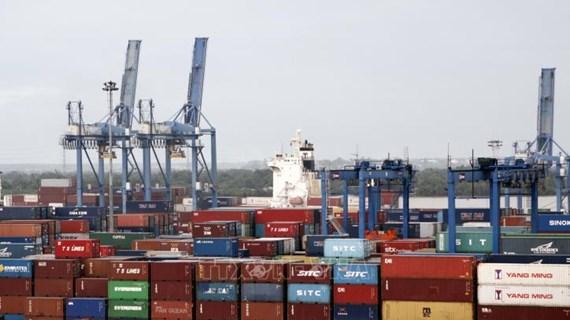 Un journal tchèque loue la lute contre le Covid-19 et le développement économique du Vietnam