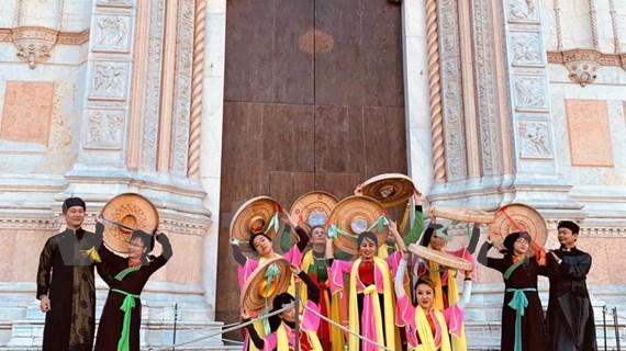 La culture vietnamienne présentée lors du Festival de musique et d'art Dancin'BO en Italie