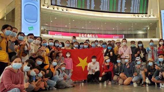 COVID-19: rapatriement de 340 citoyens vietnamiens d'Israël