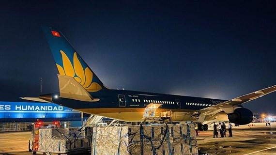 Vietnam Airlines effectue avec succès son plus long vol transportant des vaccins anti-COVID-19