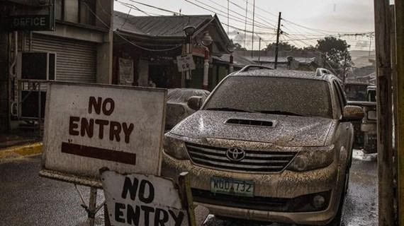Philippines : le volcan Taal fait planer le risque d'un tsunami