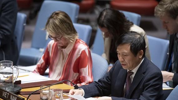 Le Vietnam s'engage à promouvoir le multilatéralisme et le droit international