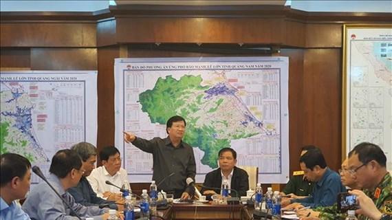 Le vice-PM Trinh Dinh Dung appelle à une vigilance maximale face au typhon Molave