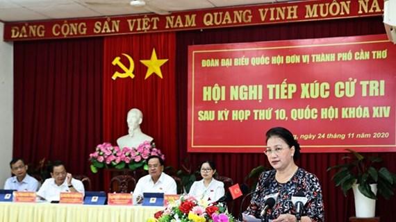 La présidente de l'AN rencontre les électeurs à Cân Tho