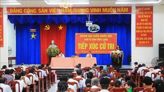 La vice-présidente vietnamienne rencontre des électeurs à Vinh Long