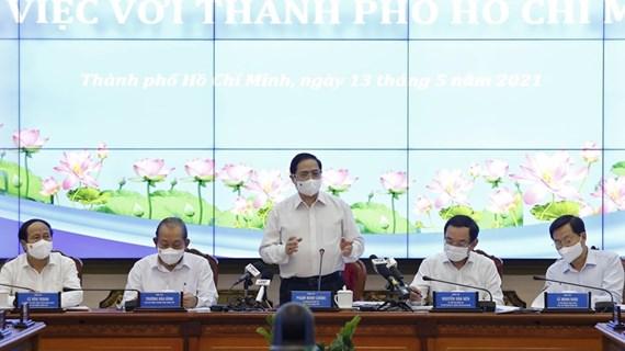Le Premier ministre Pham Minh Chinh travaille avec Ho Chi Minh-Ville