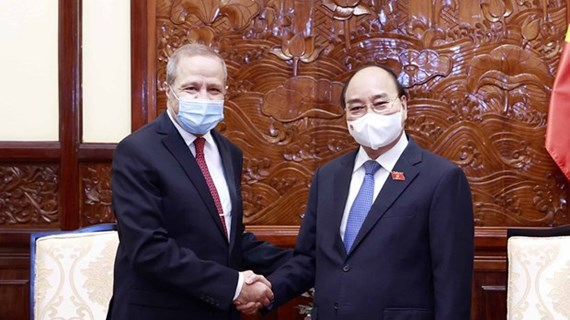 Le président Nguyên Xuân Phuc reçoit l'ambassadeur d'Algérie sortant