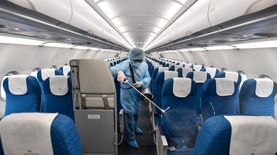 Comment les compagnies aériennes protègent-elles la santé des clients contre le COVID-19?