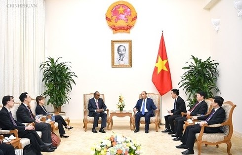 Le Vietnam plaide pour une cooperation etroite avec Singapour hinh anh 1