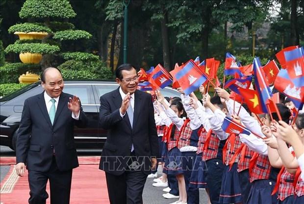 Le Premier ministre cambodgien termine sa visite officielle au Vietnam hinh anh 1
