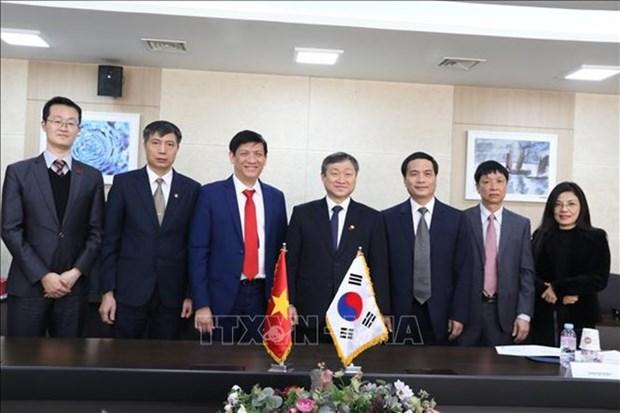 Vietnam et R. de Coree partagent des experiences dans la communication et l'education hinh anh 1