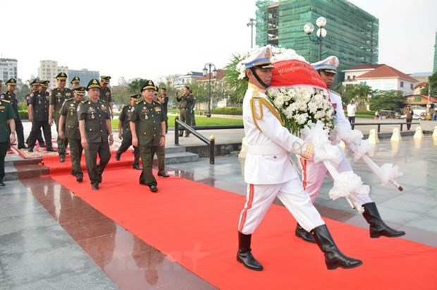 En memoire des soldats volontaires vietnamiens tombes au Cambodge hinh anh 1