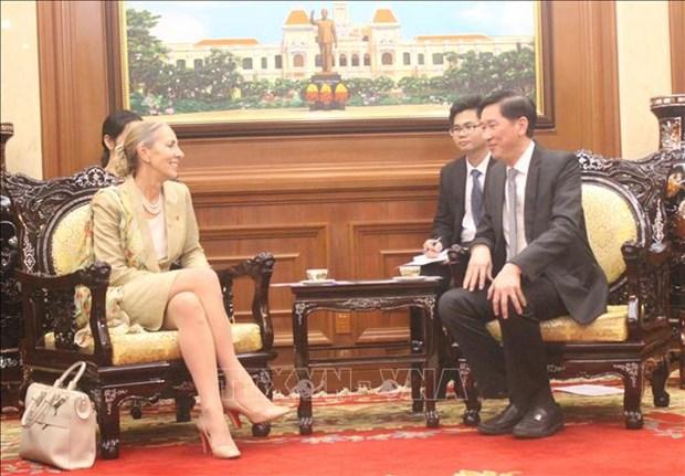 Vietnam et Royaume-Uni cooperent dans l'economie, l'investissement et l'education hinh anh 1