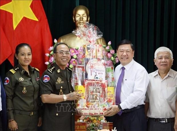 Une delegation militaire cambodgienne en visite a Vinh Long hinh anh 1