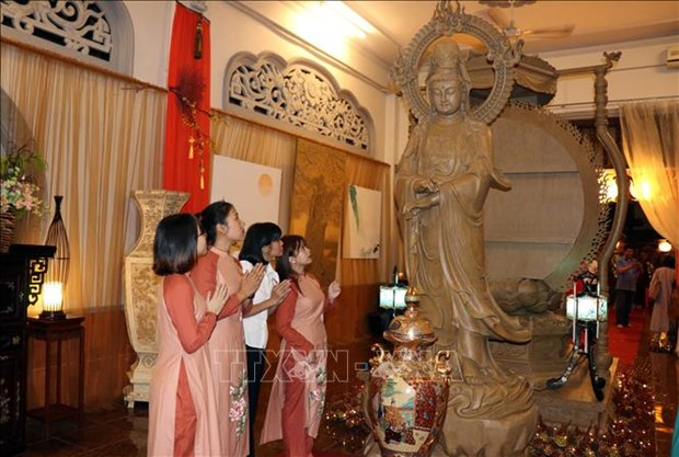 Exposition artistique sur le bouddhisme a Ho Chi Minh-Ville hinh anh 1