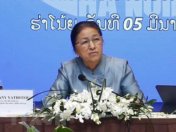 La presidente de l'AN du Laos se rend au groupe vietnamien Vingroup hinh anh 1