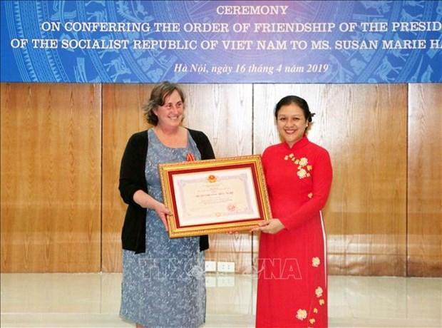 L'Ordre d'amitie a une Americaine au chevet des victimes vietnamiennes de la dioxine hinh anh 1