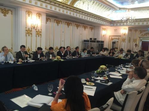 Le Vietnam et Cuba discutent de la reforme des entreprises etatiques hinh anh 1