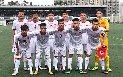 L'U18 du Vietnam se prepare a la phase eliminatoire du Championnat de football U19 d'Asie 2020 hinh anh 1