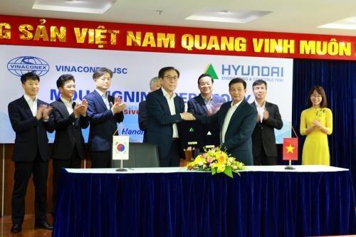 Vinaconex signe un accord de cooperation avec un partenaire etranger hinh anh 1