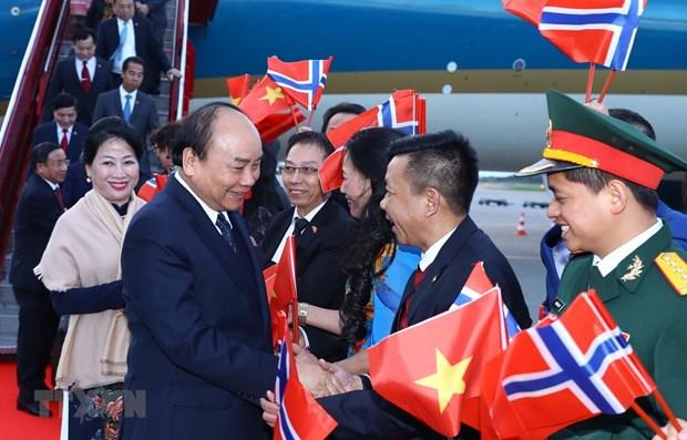 Le PM Nguyen Xuan Phuc entame une visite officielle en Norvege hinh anh 1
