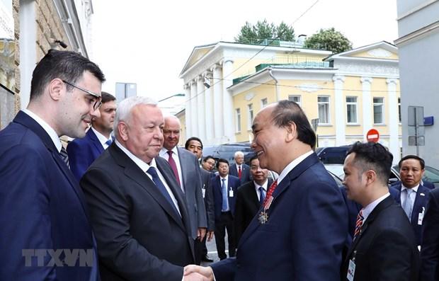 Le Premier ministre Nguyen Xuan Phuc termine sa visite officielle en Russie hinh anh 1