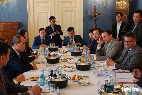 Ho Chi Minh-Ville dynamise sa cooperation avec le Land de Hesse (Allemagne) hinh anh 1