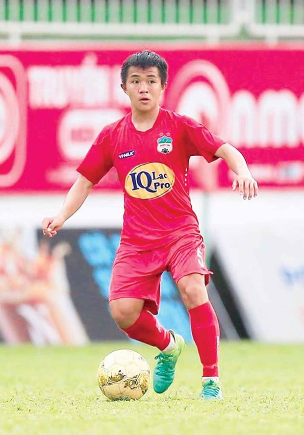Un footballeur vietnamien dans l'equipe ASIAN ELEVEN pour un match amical international hinh anh 1