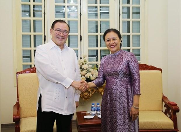 Vietnam et Philippines intensifient la cooperation d'amitie et les echanges entre habitants hinh anh 1