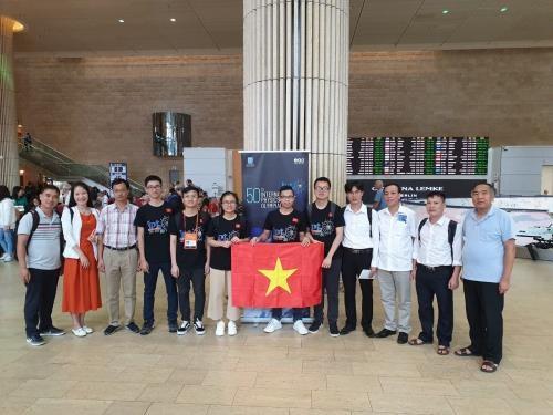 Le Vietnam remporte trois medailles d'or aux Olympiades internationales de physique hinh anh 1