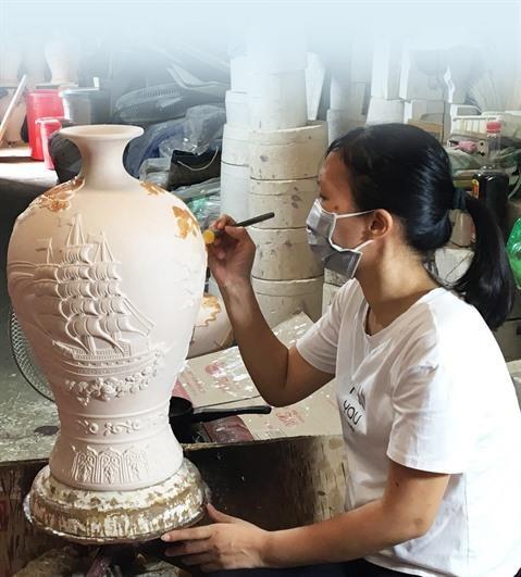 Bat Trang, la poterie ancestrale se modernise hinh anh 2