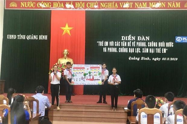 Quang Binh s'efforce de prevenir la noyade et la maltraitance des enfants hinh anh 1
