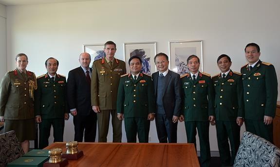 Promouvoir la cooperation entre le Vietnam et l'Australie dans la defense hinh anh 1