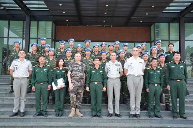 Maintien de la paix : Cooperation renforcee entre le Vietnam et la France hinh anh 1