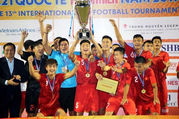Le Vietnam continue de devenir le champion du tournoi U21 du journal Thanh Nien 2019 hinh anh 1