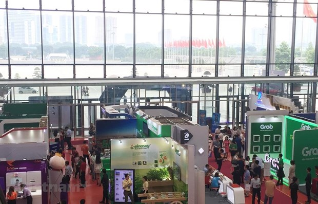 Le Vietnam devra profiter de la 4eme Revolution industrielle pour devenir un pays developpe hinh anh 1