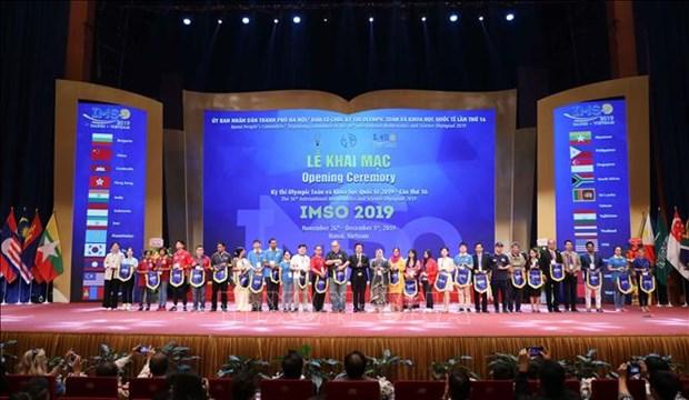 Ouverture des Olympiades internationales de mathematiques et de sciences 2019 a Hanoi hinh anh 1